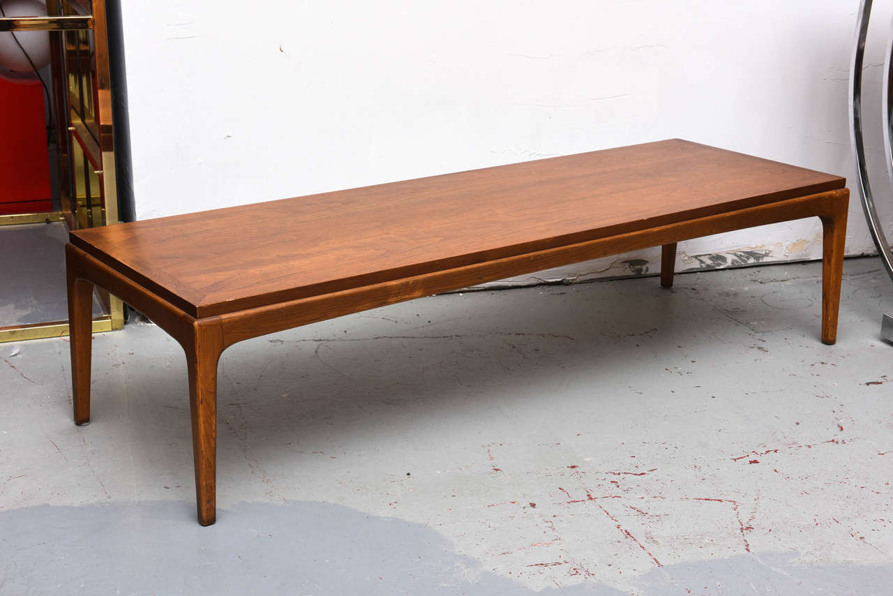 Charmant Mid Century Modern Lane Coffee Table, USA, 1960s For Sale