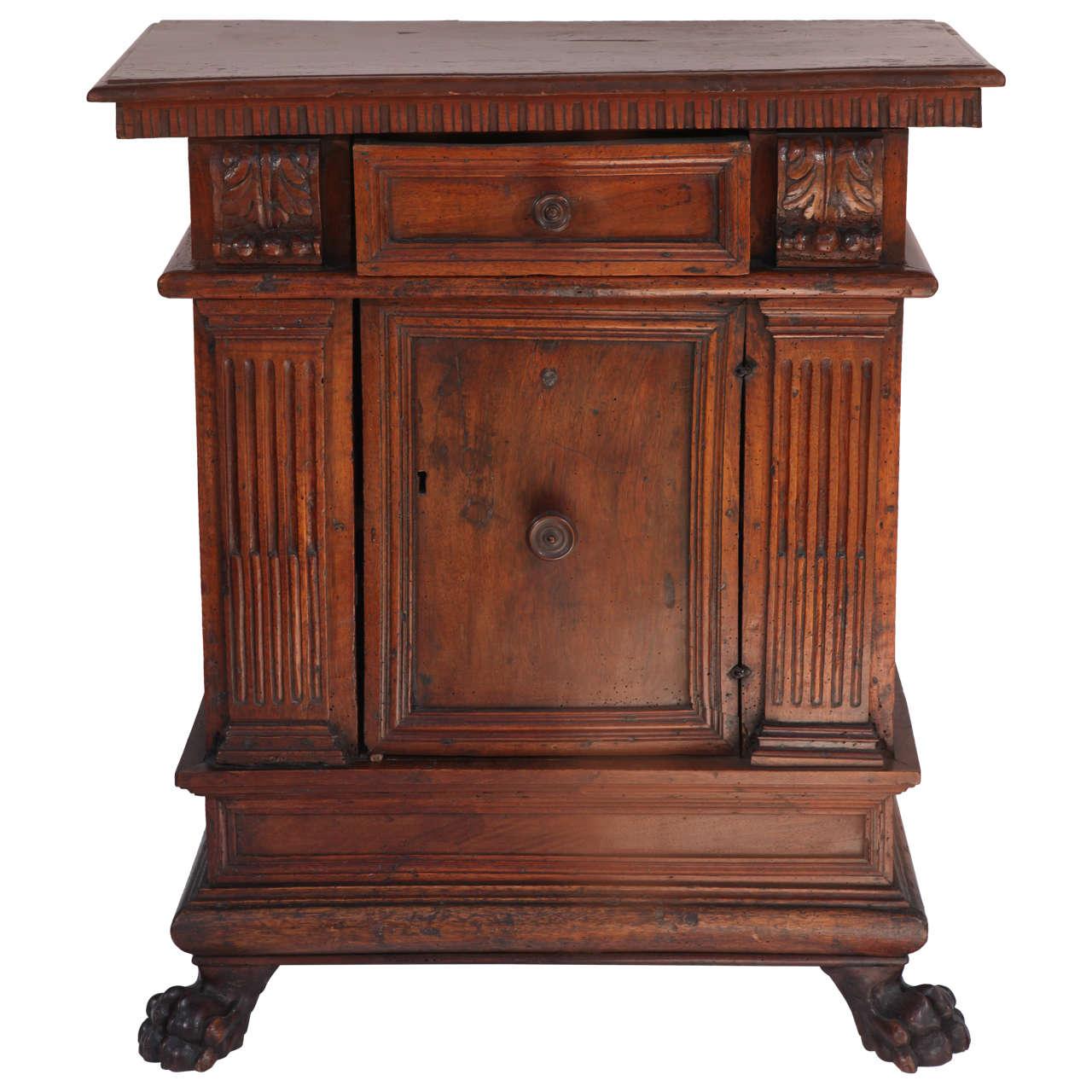 Gentil 18th Century Italian Renaissance Walnut Cabinet For Sale