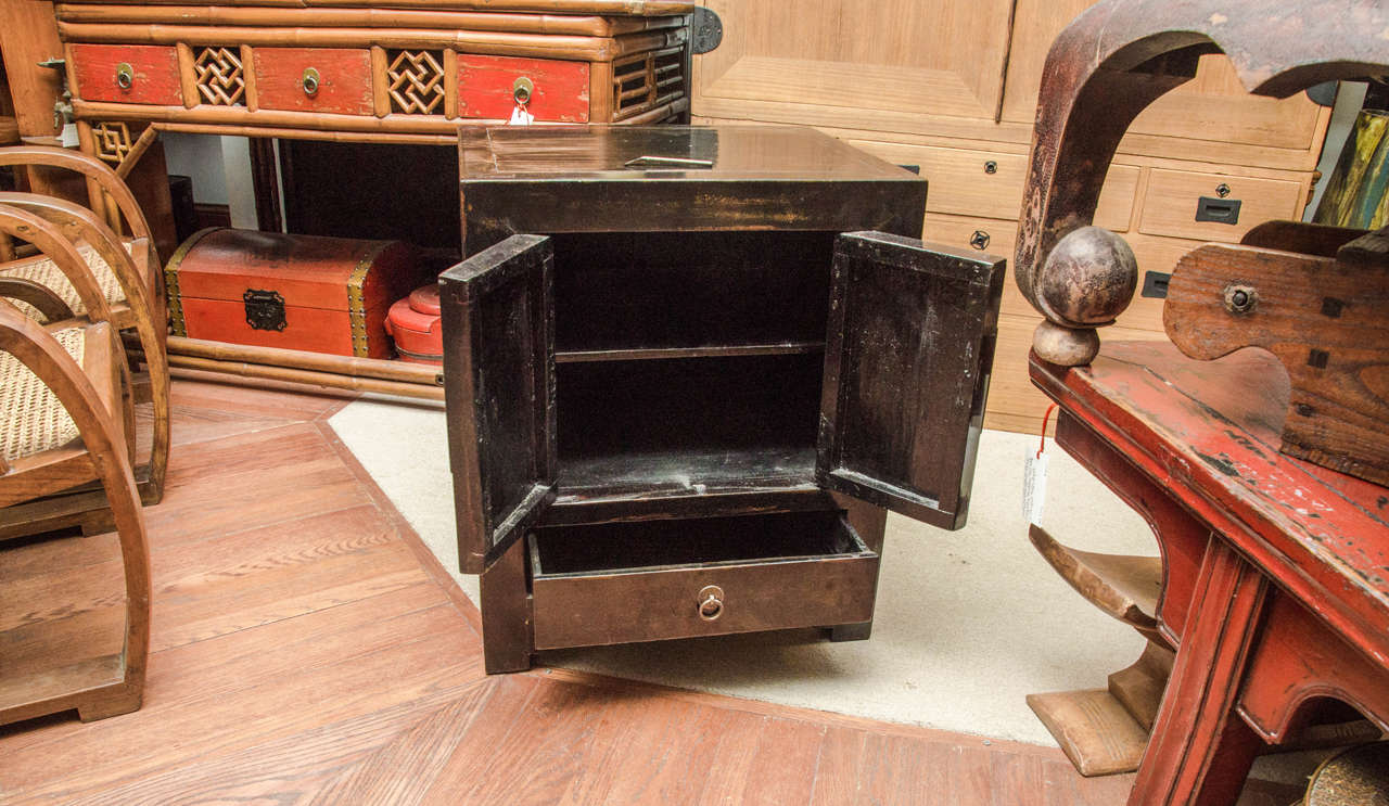 Late 19th Century Turn of the Century Qing Dynasty Black Lacquered Beijing Bedside Chest For Sale