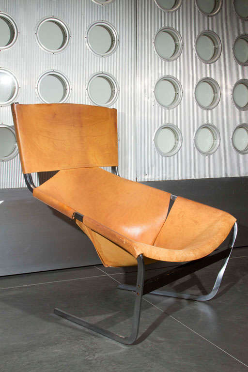 Pierre Paulin Lounge Chair In Excellent Condition For Sale In Los Angeles, CA