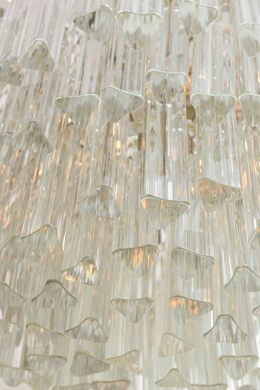 Lush Camer Glass Chandelier with Venini Triedri Crystals In Excellent Condition For Sale In Miami, FL