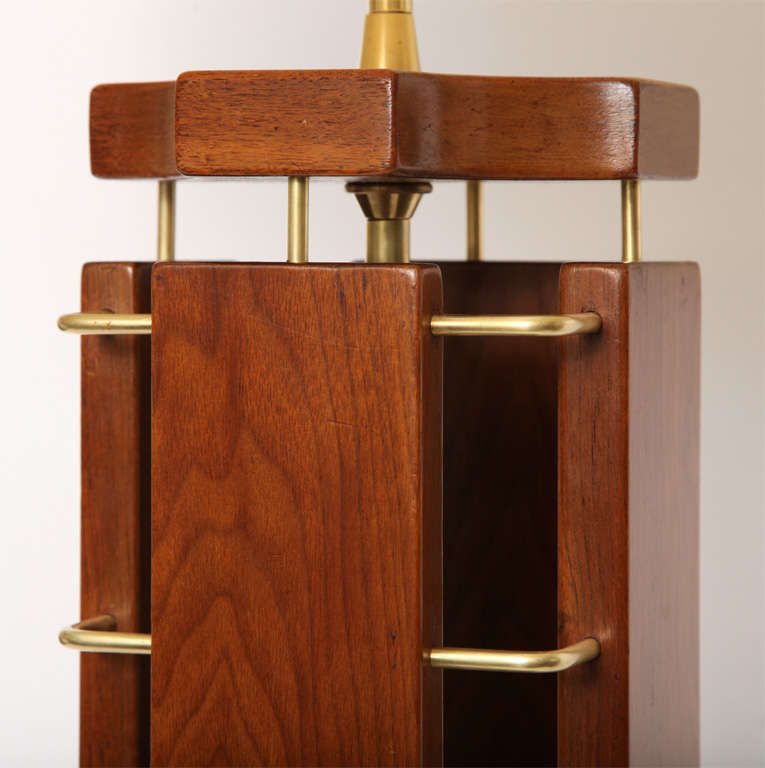 1950s Architectural Wood and Brass Table Lamp For Sale 3