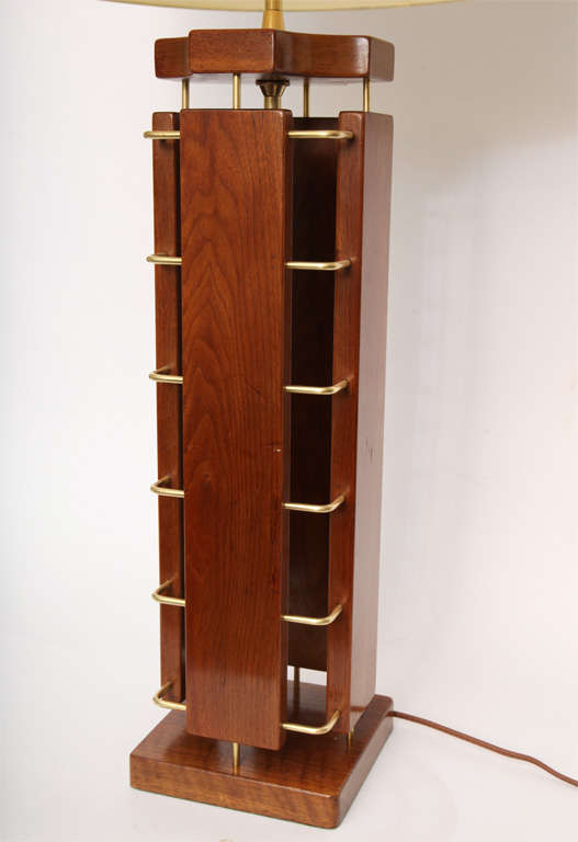 1950s Architectural Wood and Brass Table Lamp For Sale 4