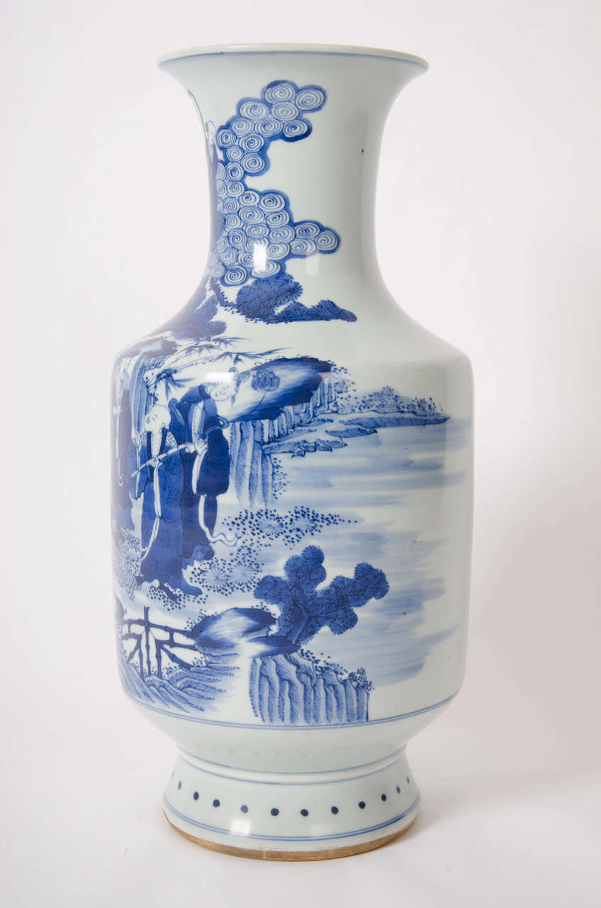 Early 19th c large chinese vase blue and white porcelain qing this is a fine quality beaker shaped vase made in china the vase is porcelain reviewsmspy
