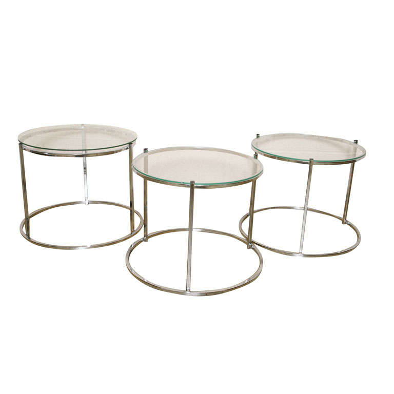 Set Of Nesting Round Side Tables At 1stdibs