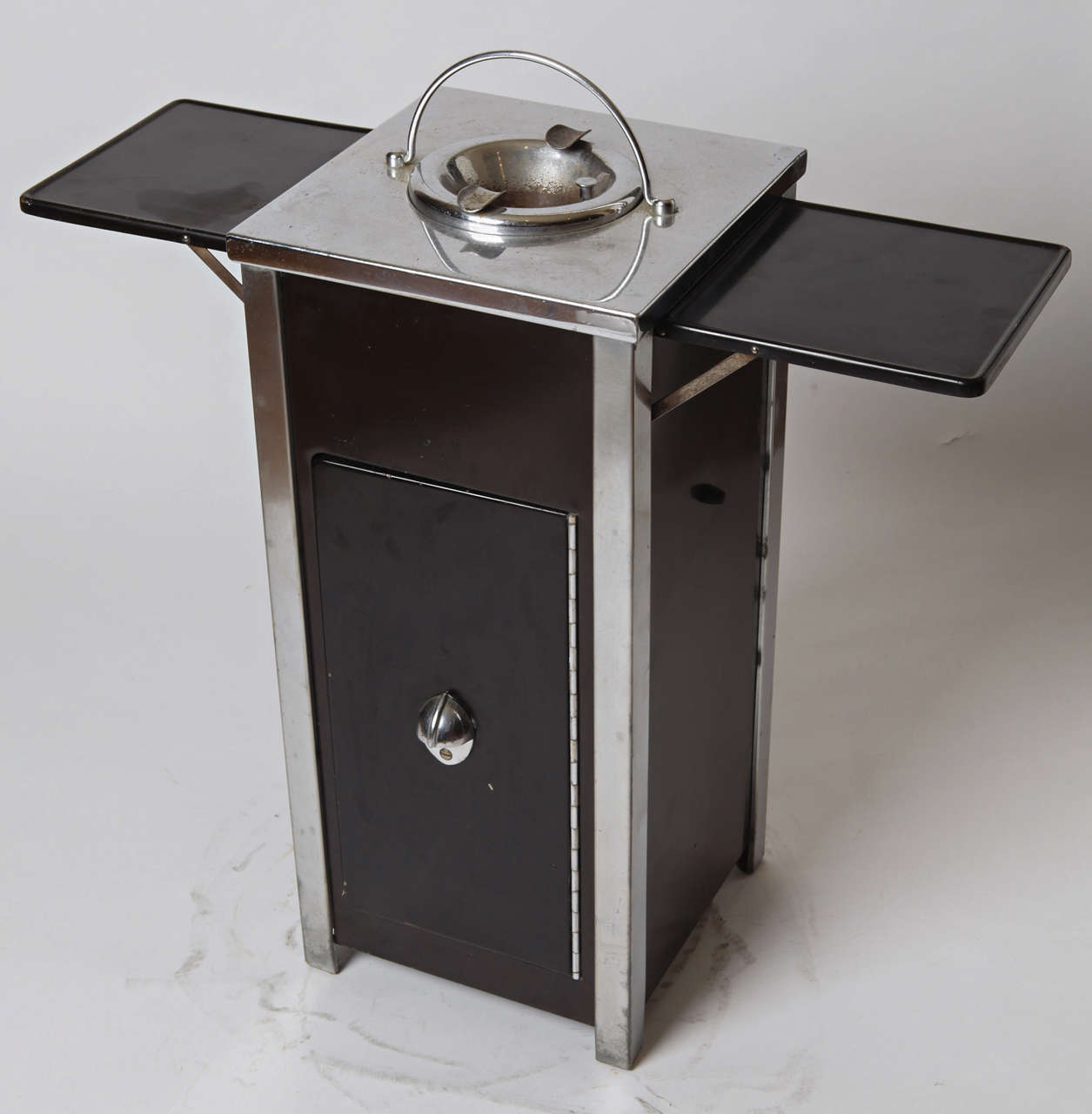 Machine Age Art Deco Smokestand Cocktail Cabinet Smoke Stand Bar  For Sale 2