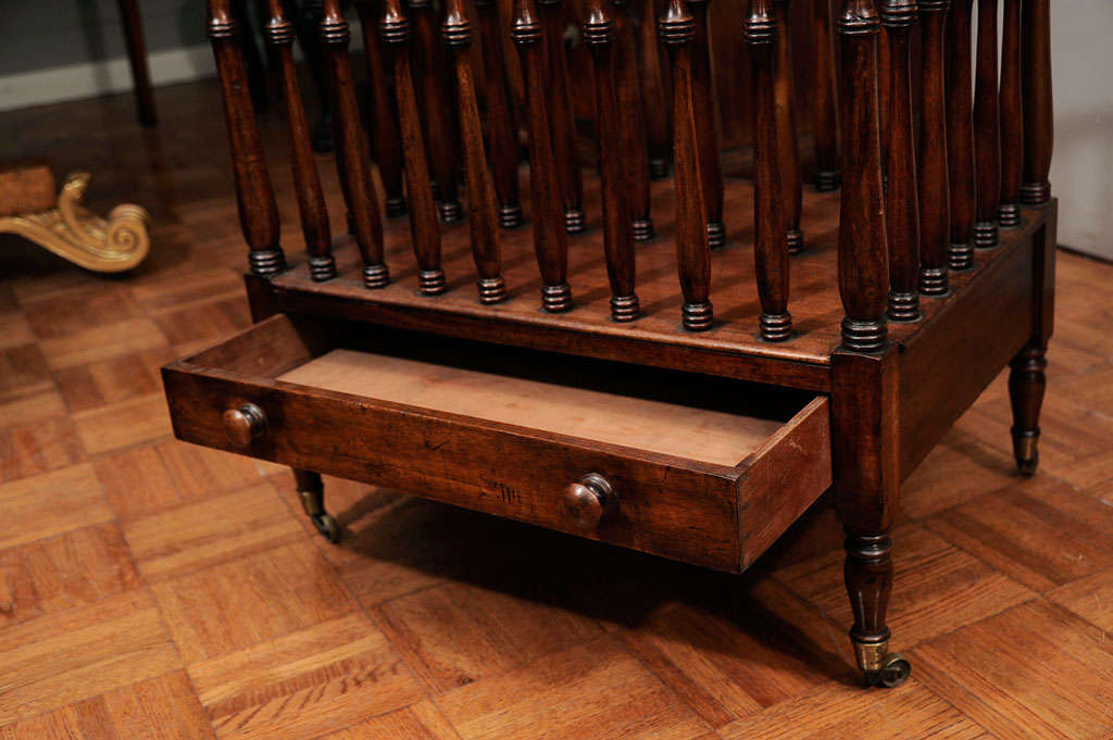 George III Mahogany Cantebury In Excellent Condition For Sale In New York, NY