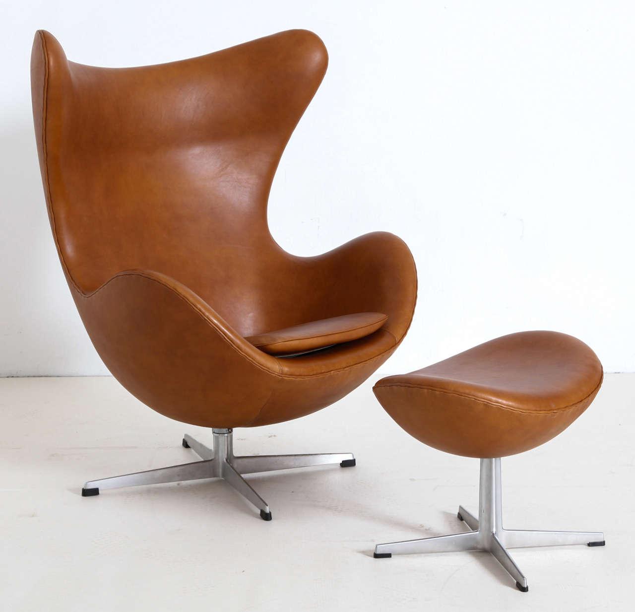 arne jacobsen egg chair with ottoman at 1stdibs. Black Bedroom Furniture Sets. Home Design Ideas