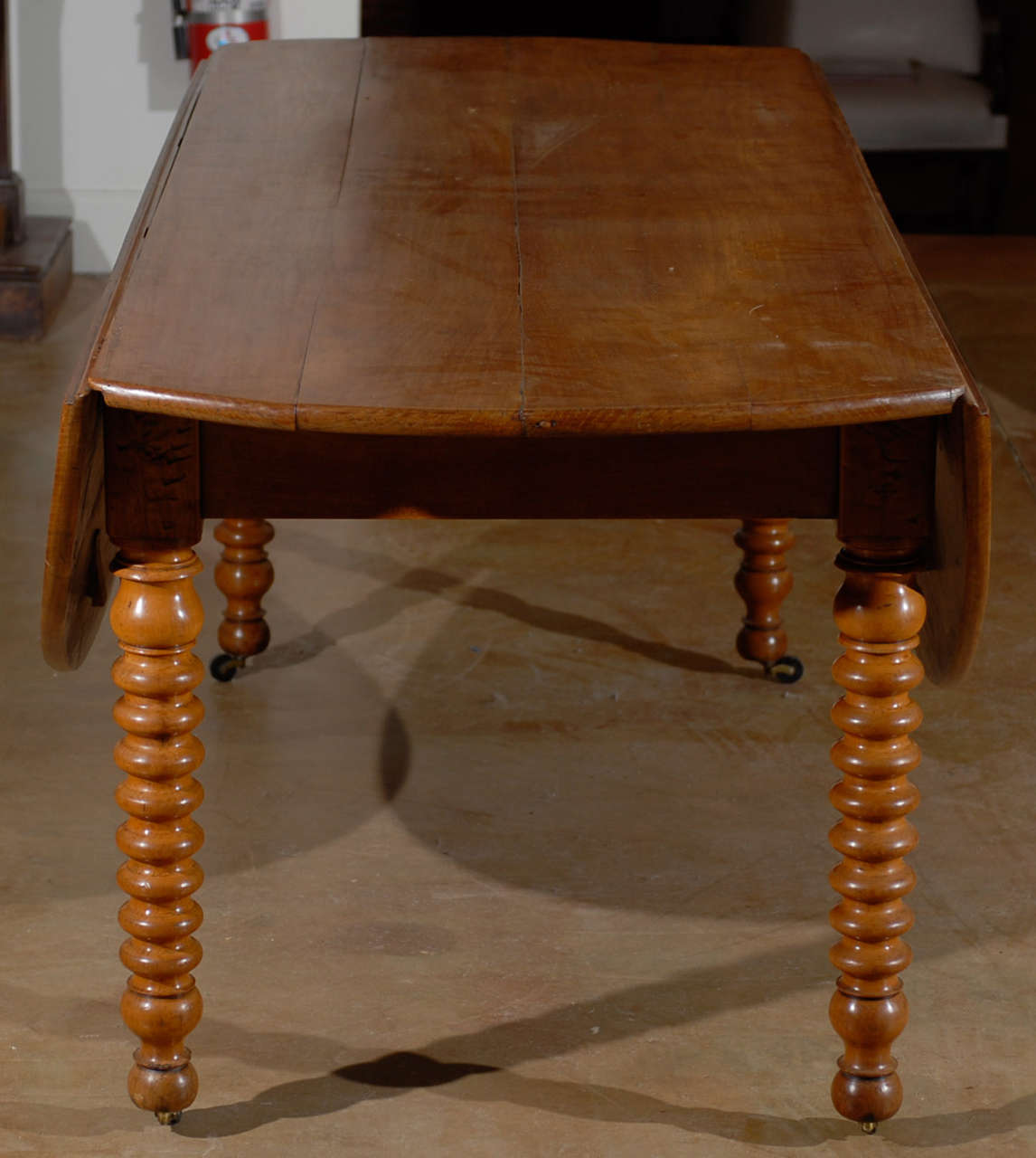 louis philippe dining table for sale at 1stdibs classic louis philippe auburn dining room