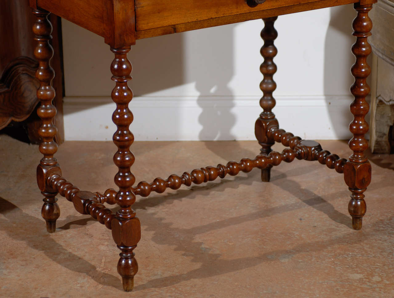 french walnut table louis xiii style at 1stdibs. Black Bedroom Furniture Sets. Home Design Ideas
