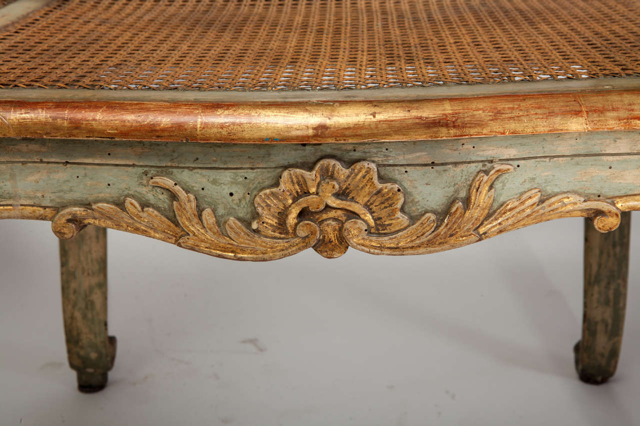 Fine Italian 18th Century Parcel-Gilt and Painted Canape For Sale 3