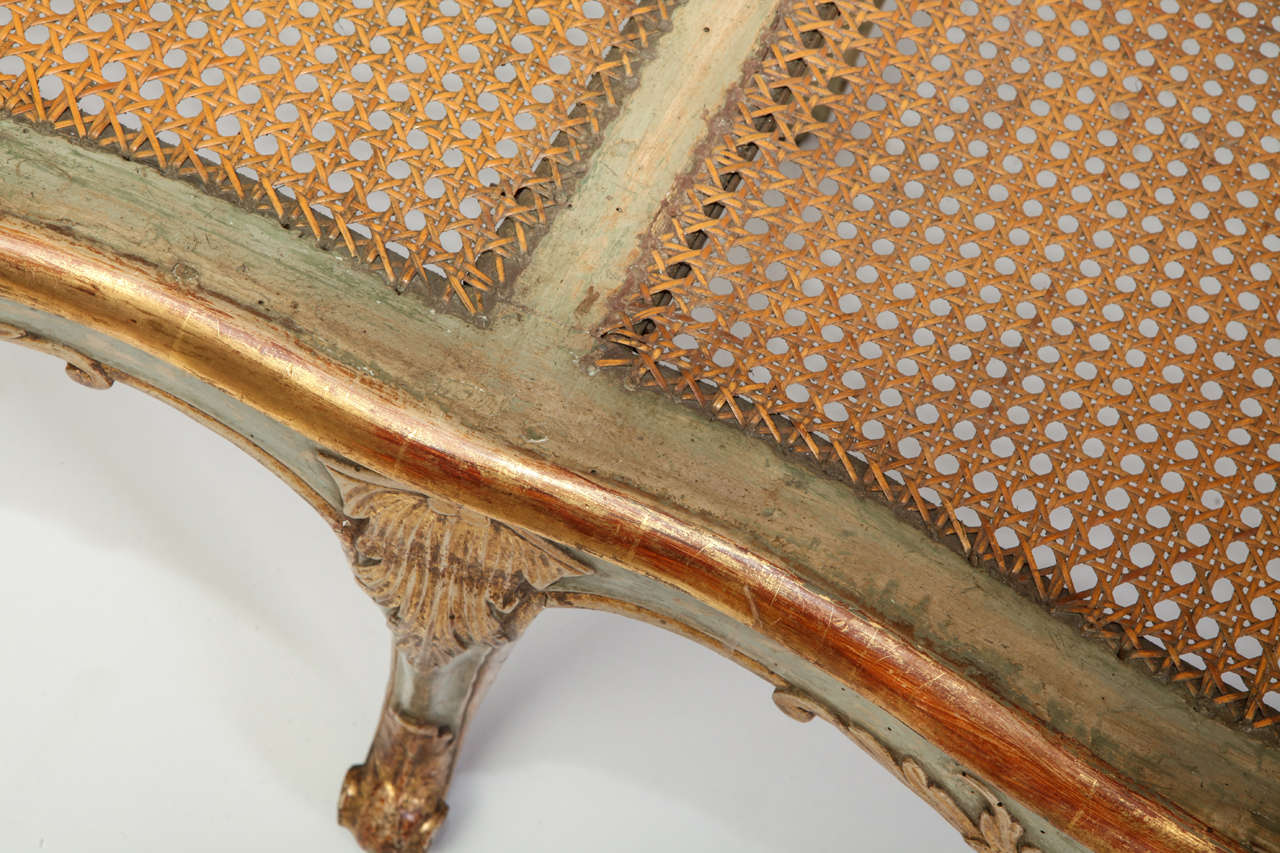 Fine Italian 18th Century Parcel-Gilt and Painted Canape For Sale 5
