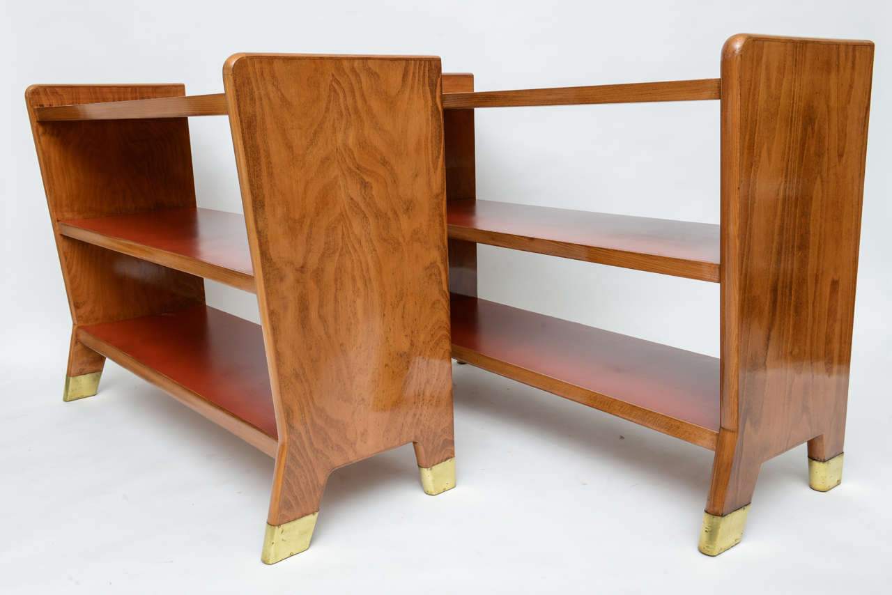 Italian Fine Gio Ponti Fruitwood and Leather Dwarf Bookcase For Sale