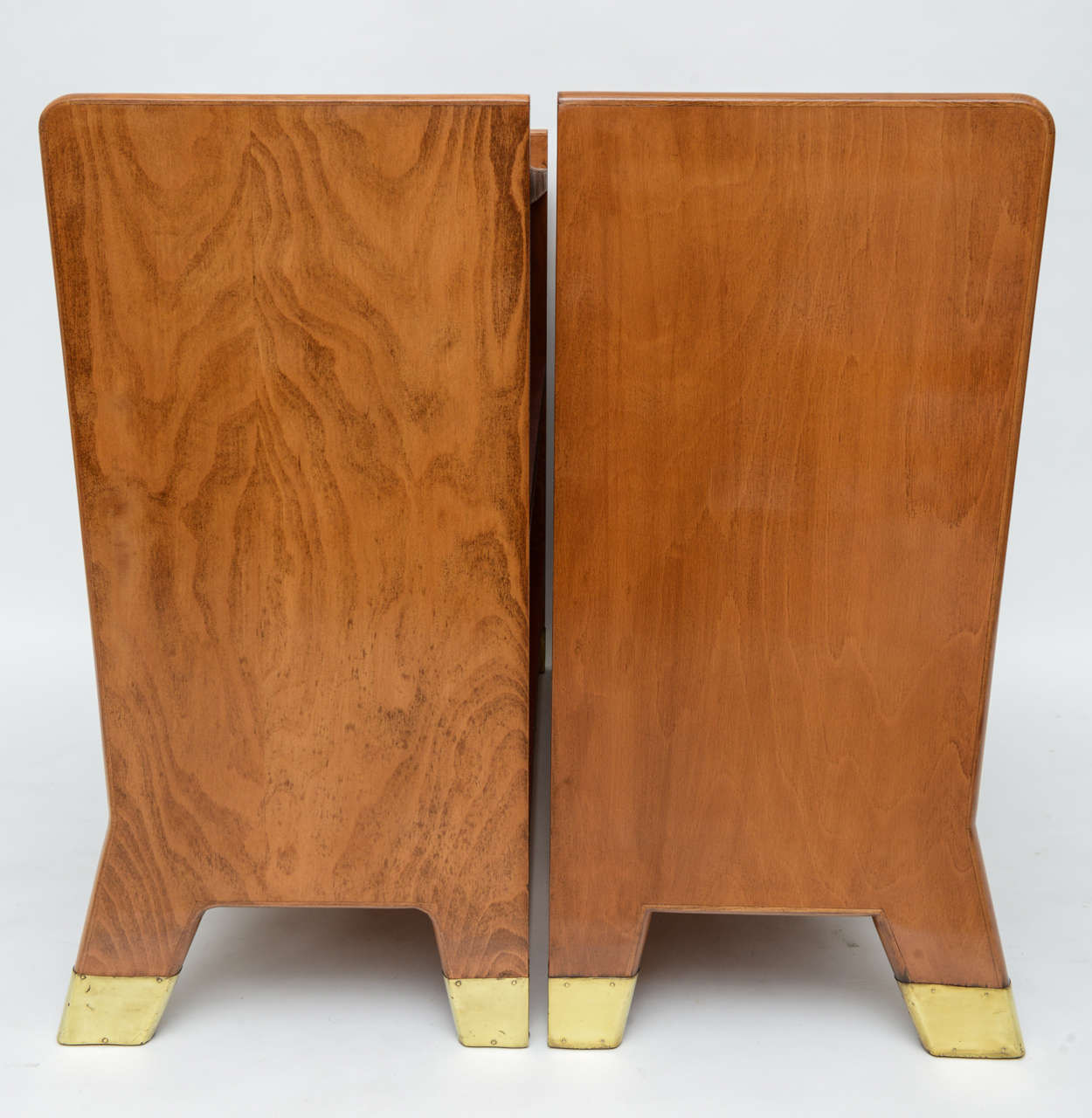 Fine Gio Ponti Fruitwood and Leather Dwarf Bookcase In Excellent Condition For Sale In Miami, FL