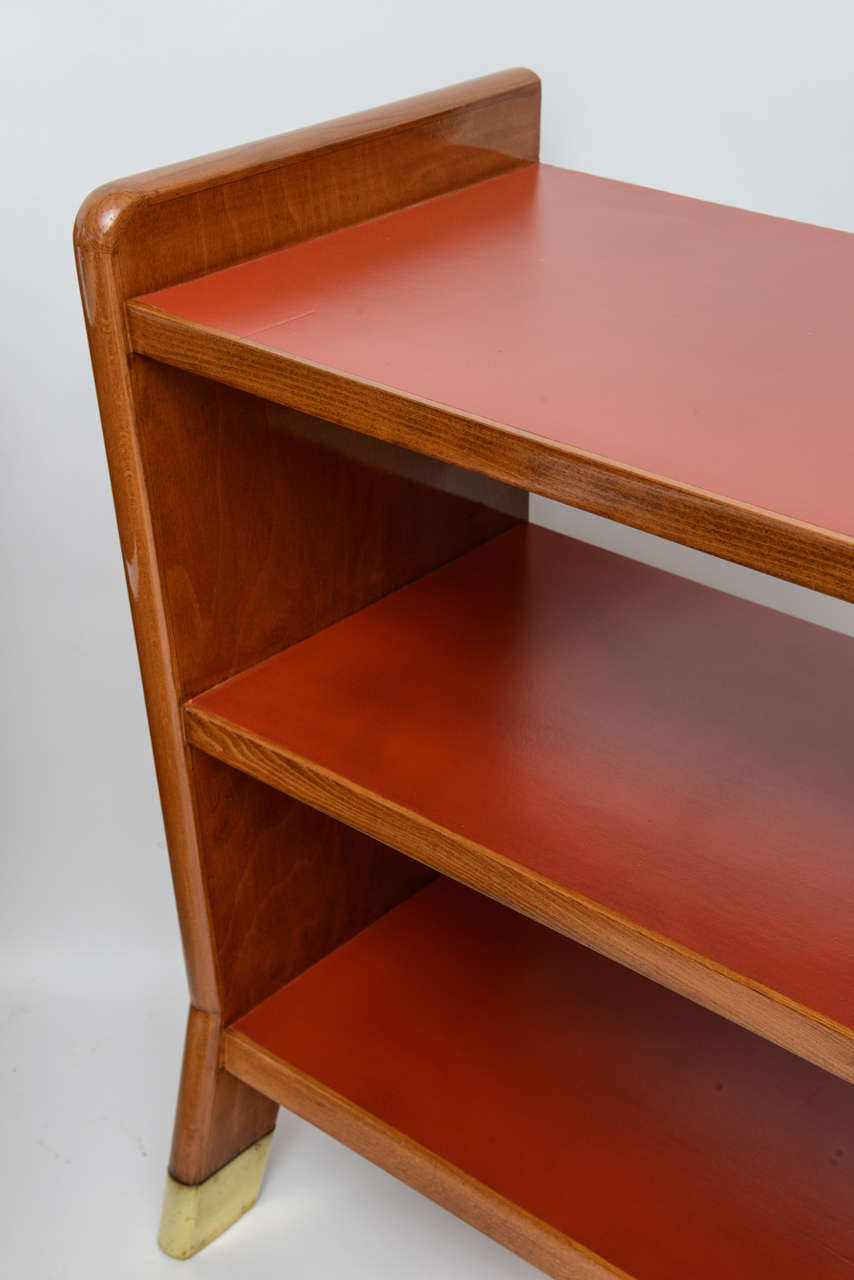Fine Gio Ponti Fruitwood and Leather Dwarf Bookcase For Sale 1