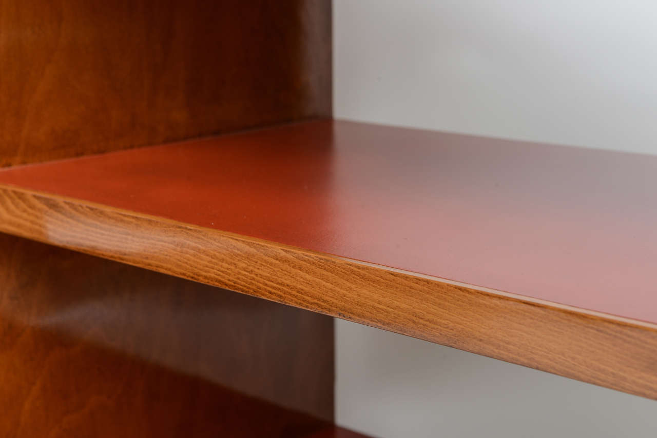 Fine Gio Ponti Fruitwood and Leather Dwarf Bookcase For Sale 3