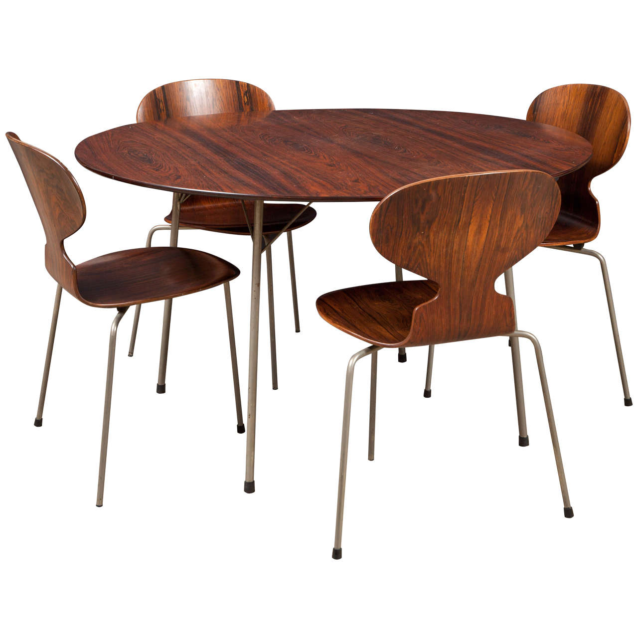 Ant rosewood table and dining chair set by arne jacobsen for Dining room tables 1940s