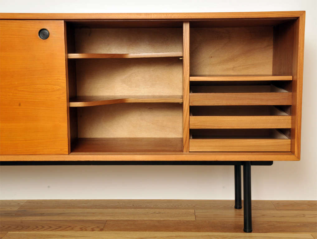Sideboard 104 by g frontisi meubles tv edition 1952 for Meuble 8 cases