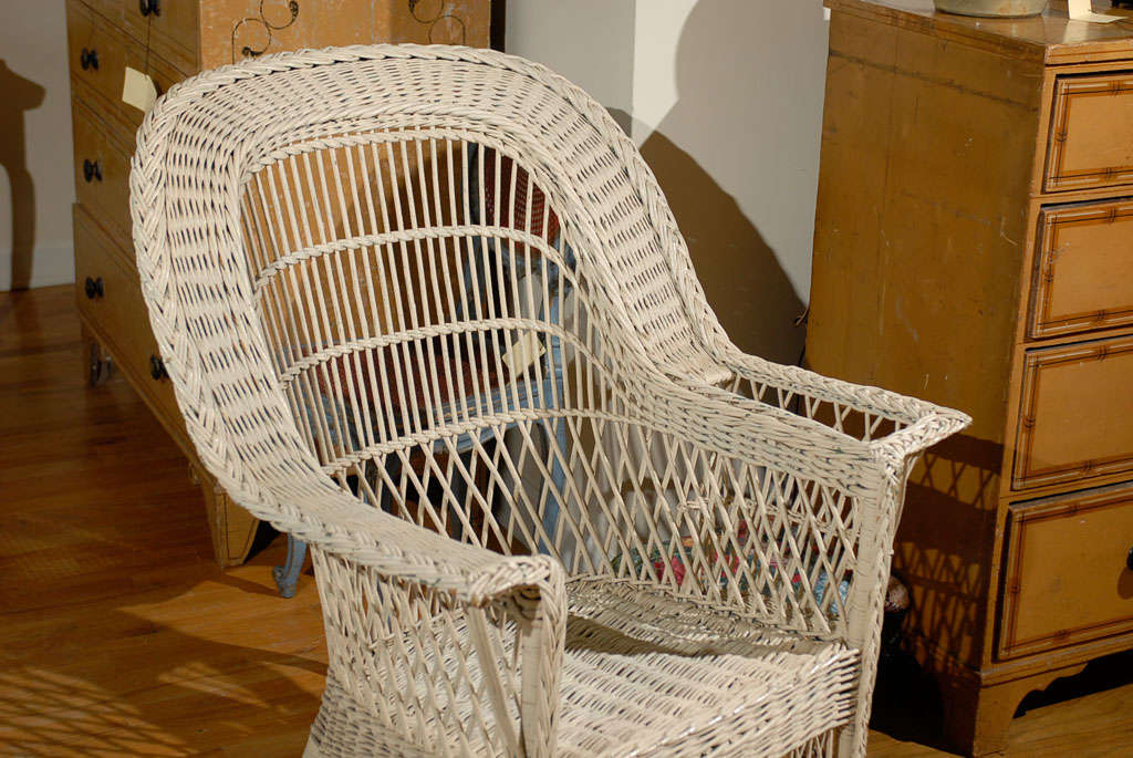 Bar Harbor Wicker Chair with Magazine Pocket 3