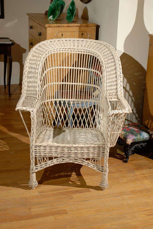 Bar Harbor Wicker Chair with Magazine Pocket 4