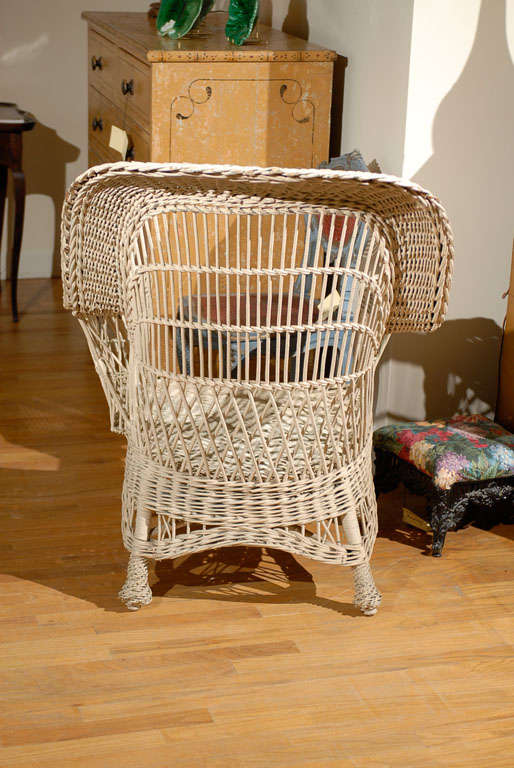 Bar Harbor Wicker Chair with Magazine Pocket 6