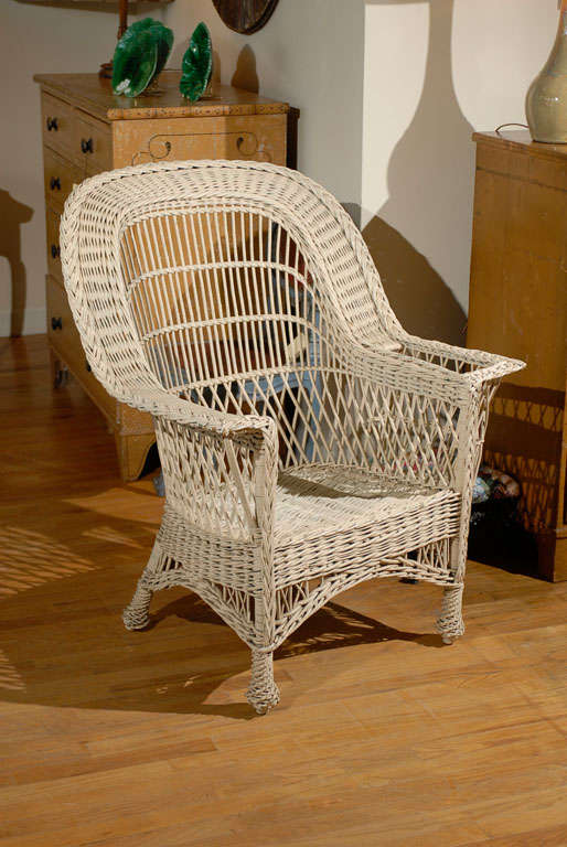 Bar Harbor Wicker Chair with Magazine Pocket 2