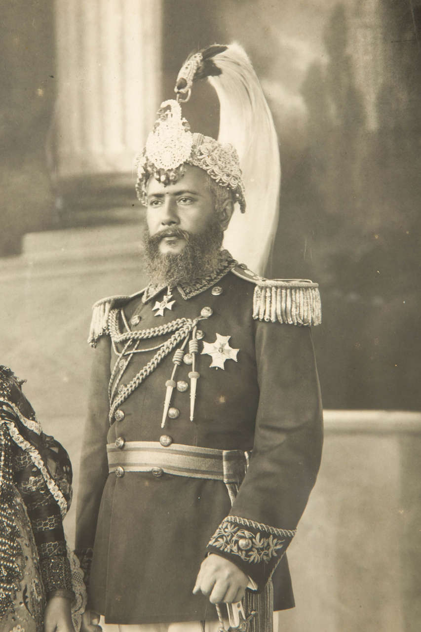 Indian Vintage Photography Of A Maharaja By Herzog Et Higgins Circa 1910 1920 For Sale