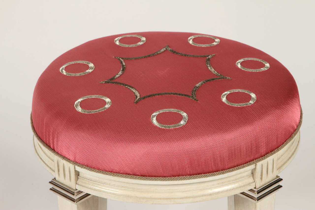 Louis XV Pair of Neoclassical Round Cerused Oak Benches with Silk Embroidery For Sale
