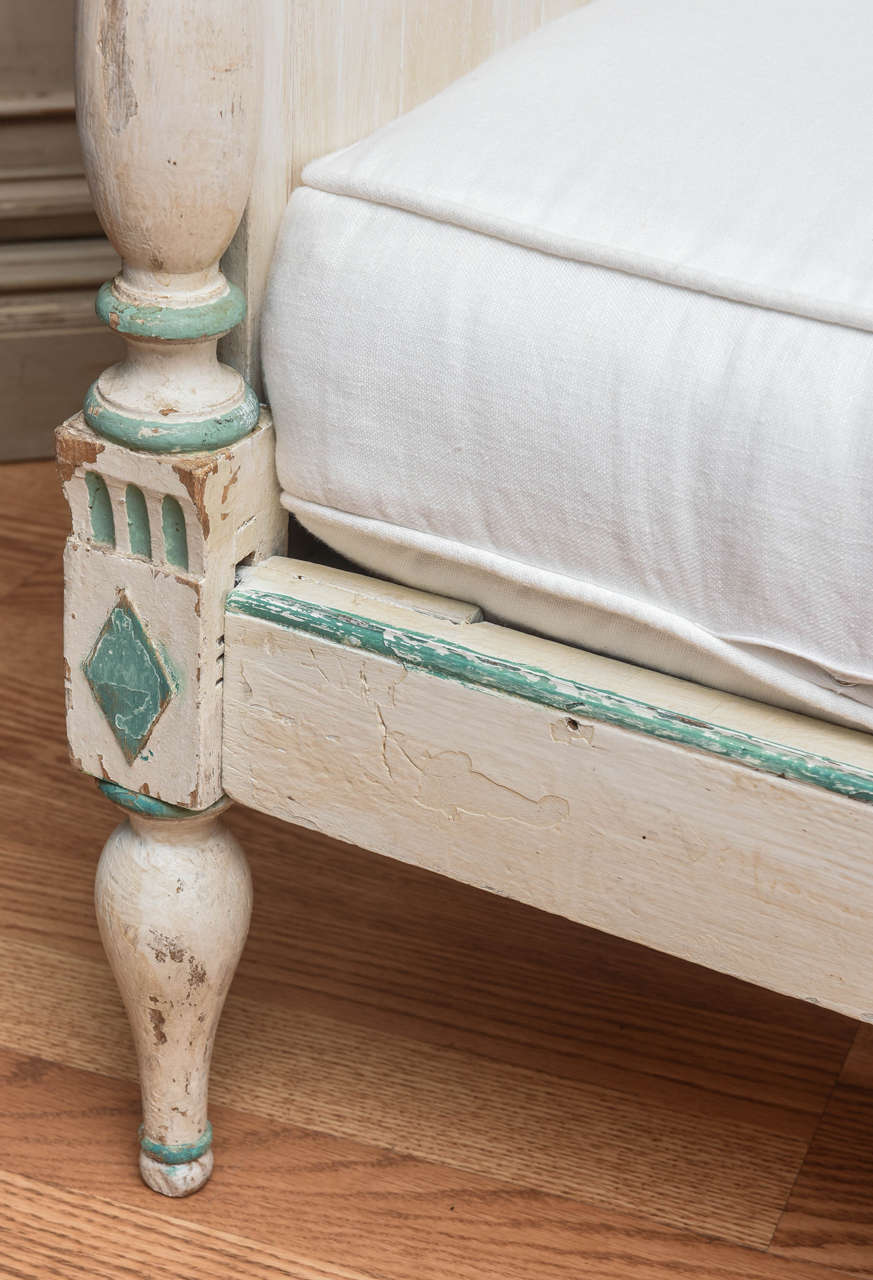 19th Century Gustavian Painted Daybed 3