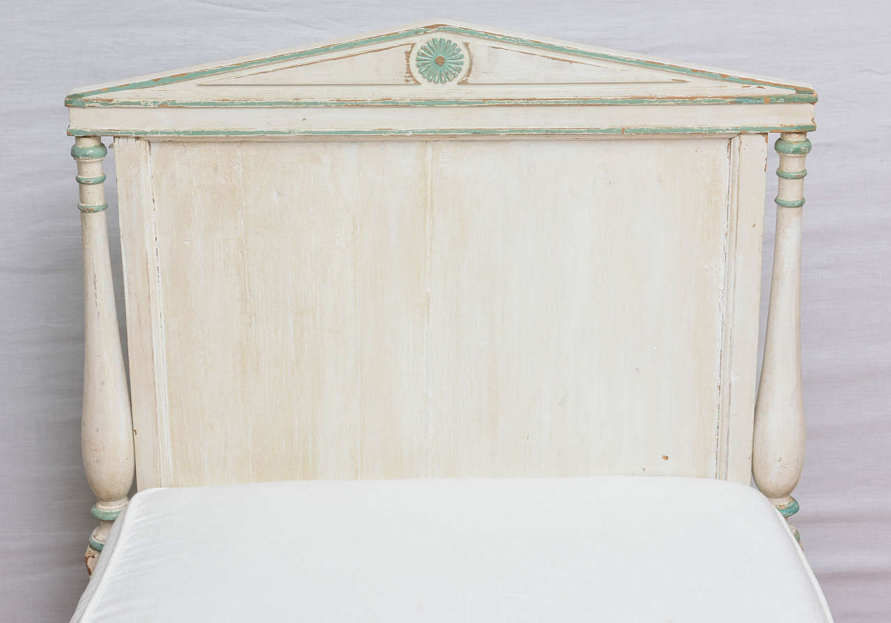 19th Century Gustavian Painted Daybed 6