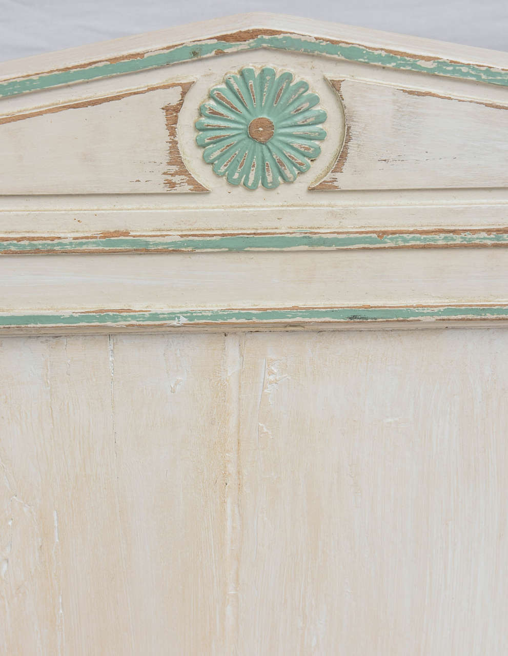 19th Century Gustavian Painted Daybed 8