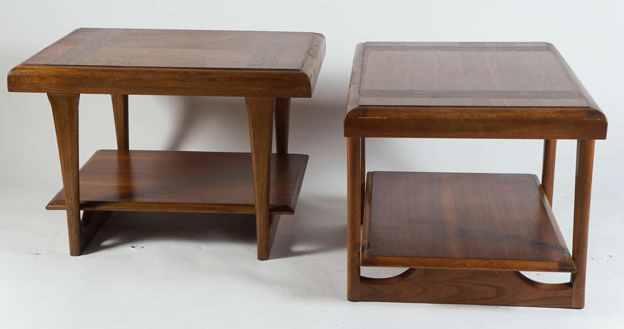 A Pair Of End Tables By Lane Furniture Co At 1stdibs