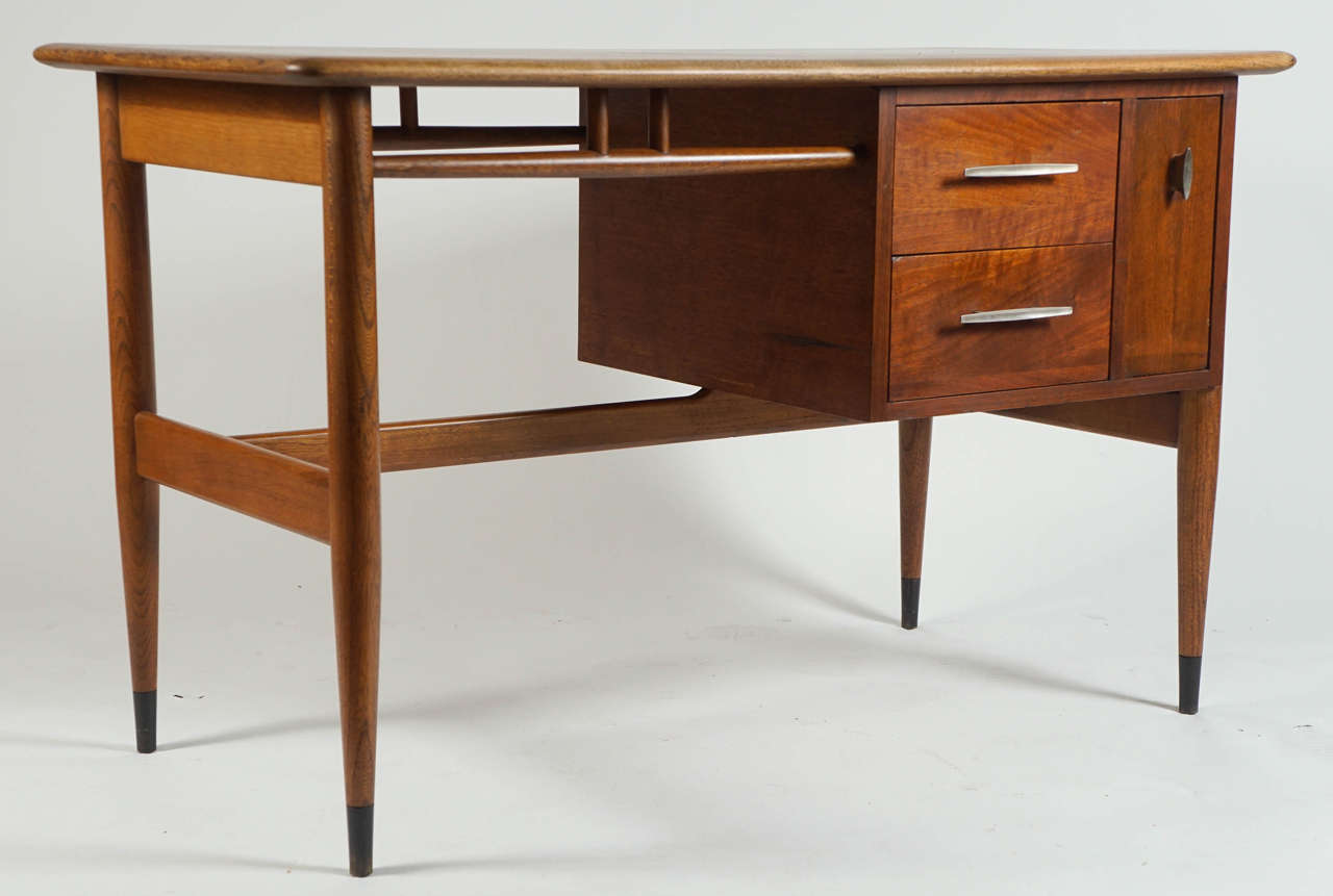 Studentu0027s Desk By Lane Furniture Company 2