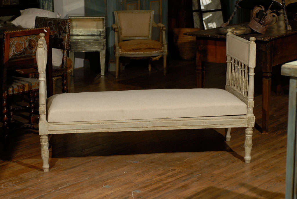 Mid-19th Century Swedish Gustavian Style Daybed 2