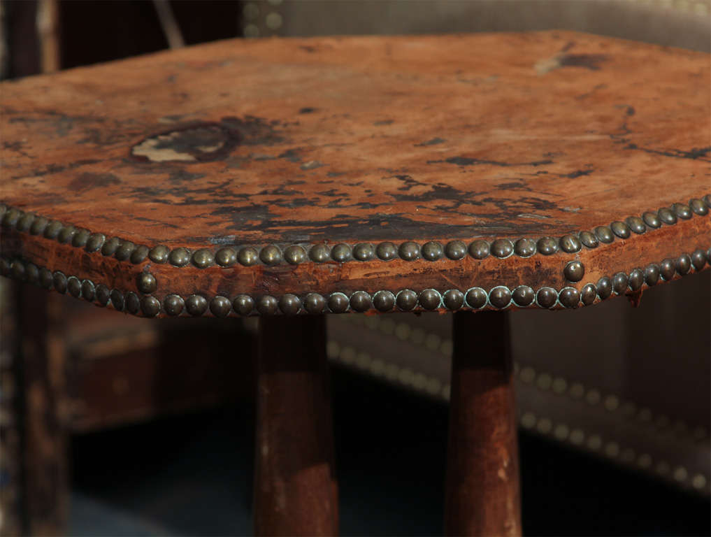 french leather and nailhead side table In Distressed Condition For Sale In Seattle, WA