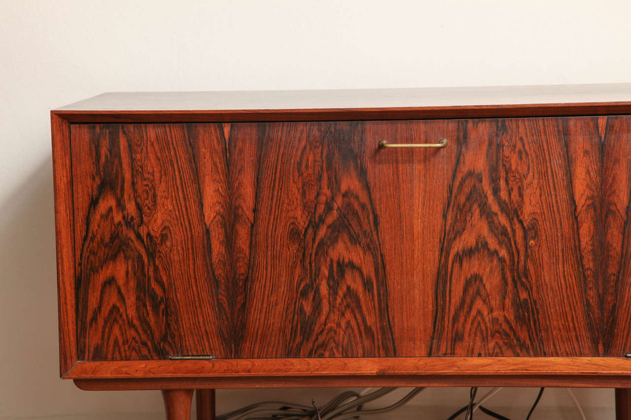Italian Mid Century Wood Bar / Media Cabinet In Good Condition For Sale In Chicago, IL