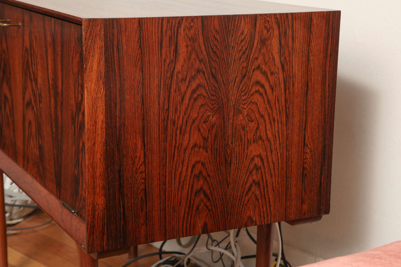 Italian Mid Century Wood Bar / Media Cabinet For Sale 4