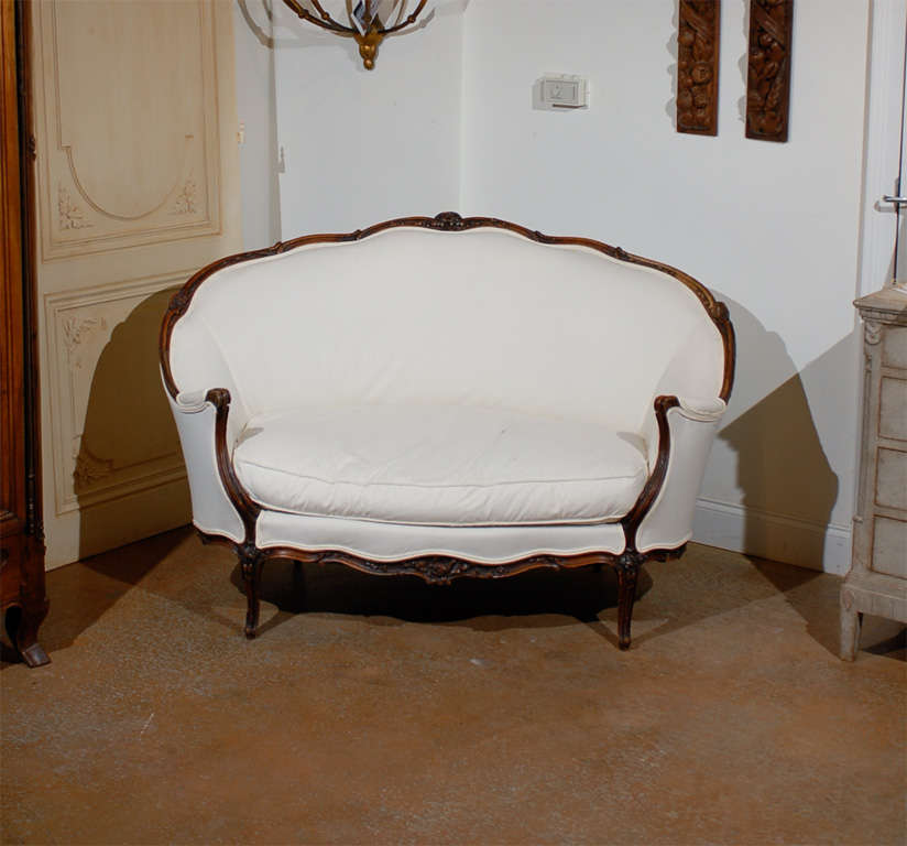 19th Century French Louis XV Style Canape in Walnut 2