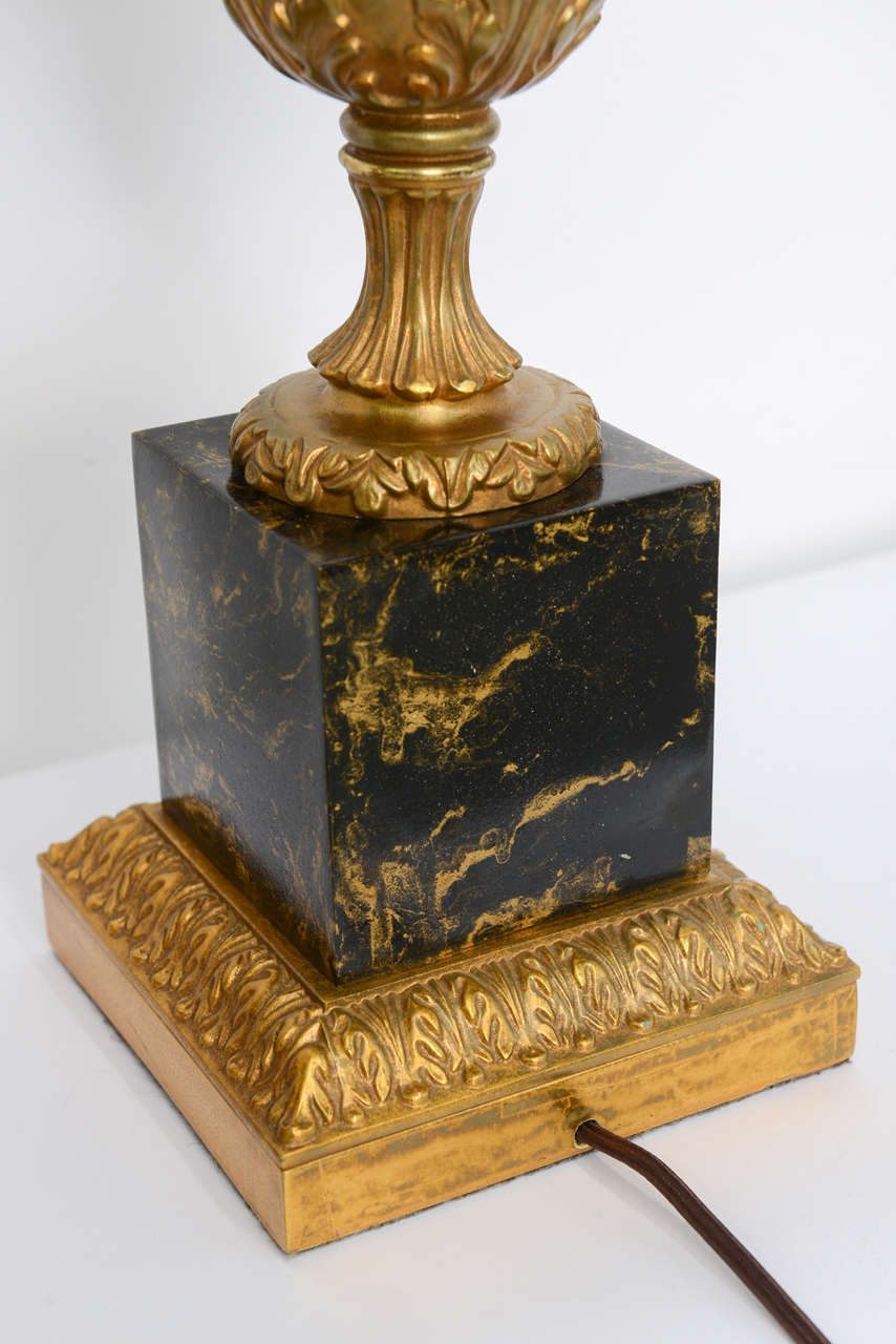 Pair of 1950s Modern Neoclassical Style Gilt and Faux Marble Table Lamps For Sale 1
