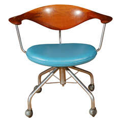The Swivel Chair by Hans Wegner