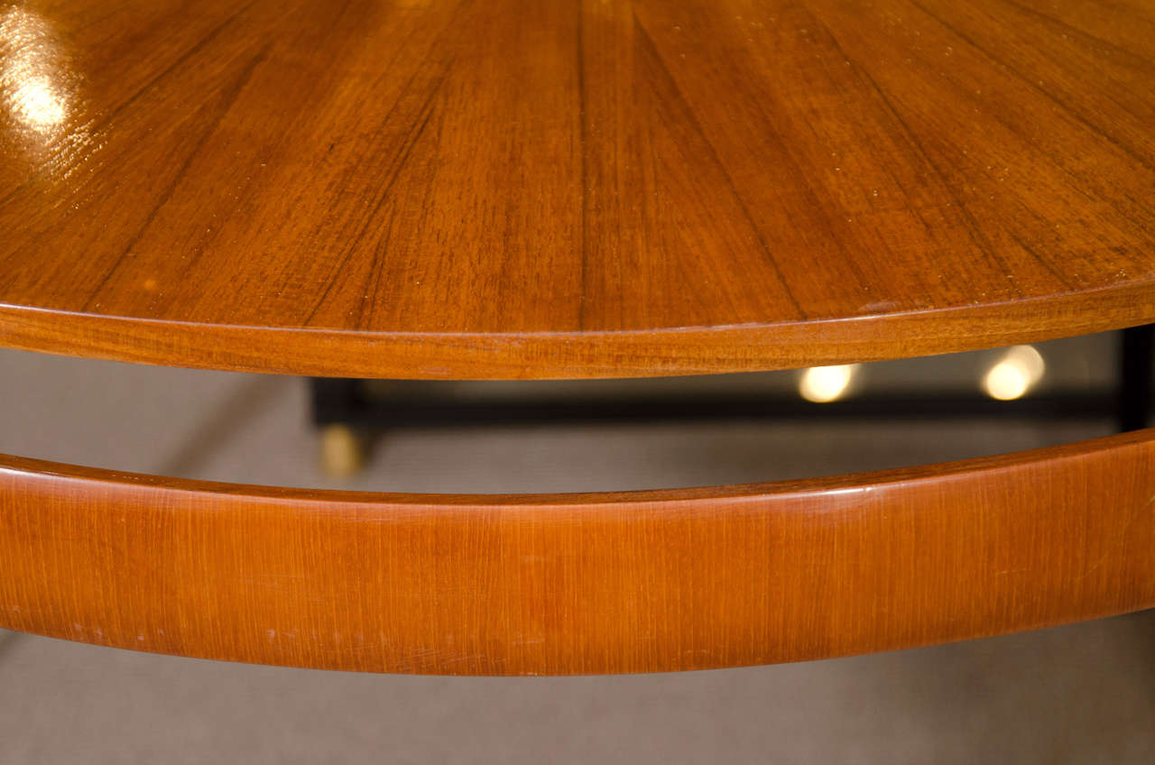 Mid-20th Century Round Oak Dining or Center Table For Sale