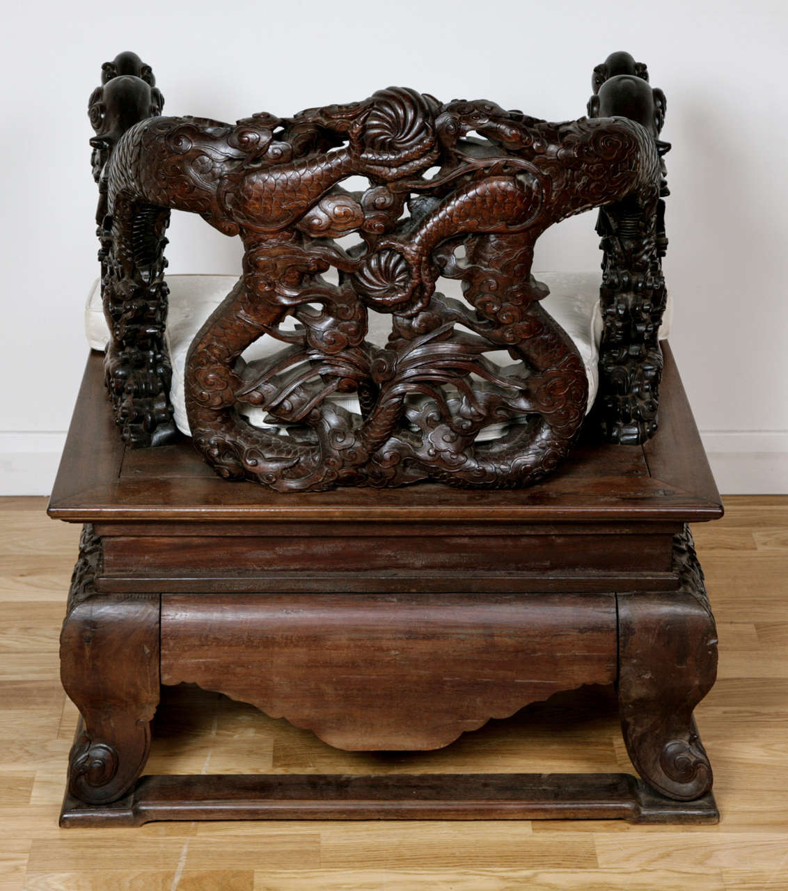 Pair of Qing Dynasty Hongmu Armchairs For Sale 1
