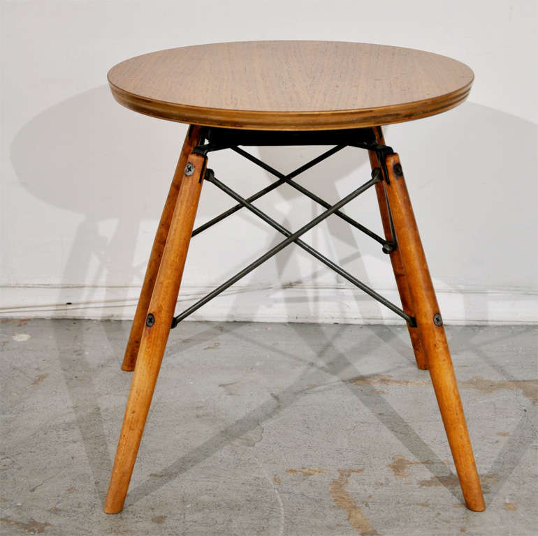 Charles eames stool table at 1stdibs for Table charles eames