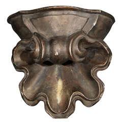 Acanthus Scroll Sconce