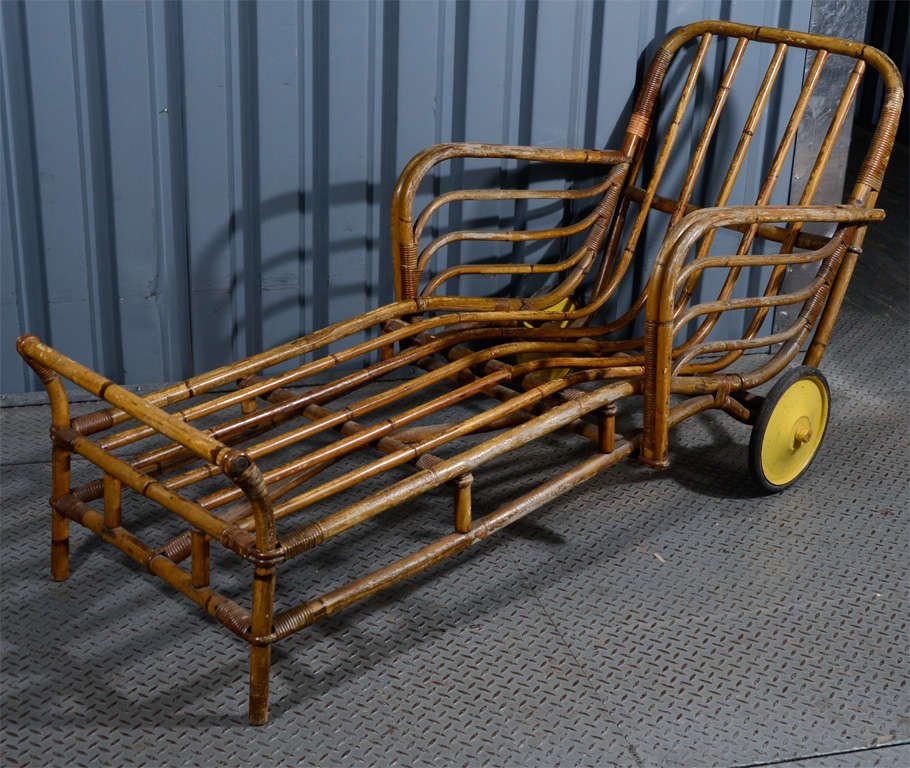 Pair of bamboo chaise lounge chairs at 1stdibs for Bamboo chaise lounge
