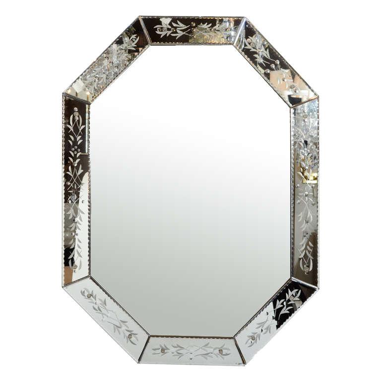 Elegant 1940 39 s hollywood octagonal mirror at 1stdibs for Elegant mirrors
