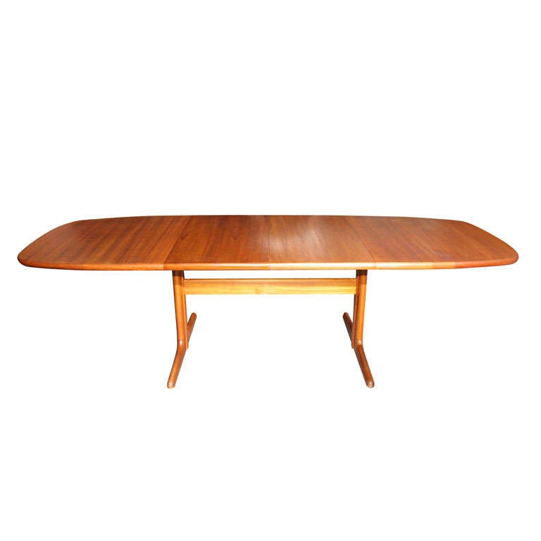 Large danish modern oval teak dining table for Big modern dining table