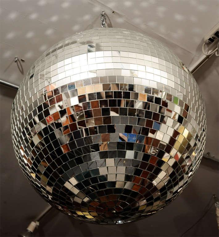 Grand Disco Ball 4