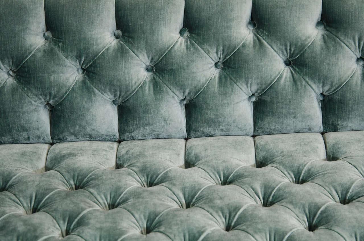 Modern Tufted Velvet Tuxedo Sofa In Good Condition For Sale In New York, NY