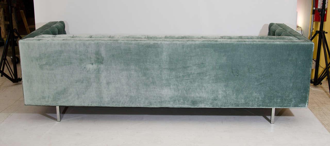 Modern Tufted Velvet Tuxedo Sofa For Sale 2